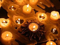 Как правильно выбрать свечи для праздника?