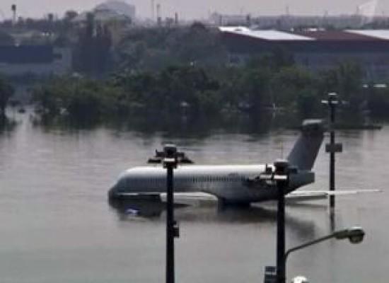 Аэропорт Тайланда Дон Мыанг закрыт из-за наводнения