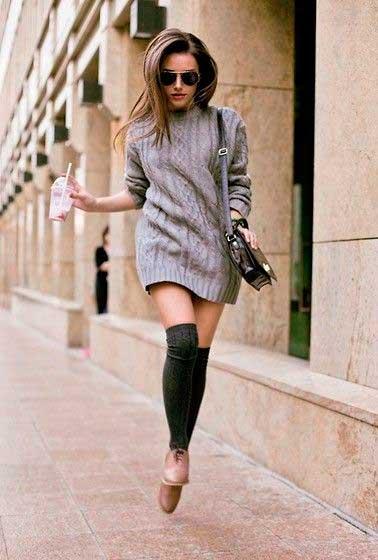Платье-кофта, гольфы и ботиночки-оксфорды