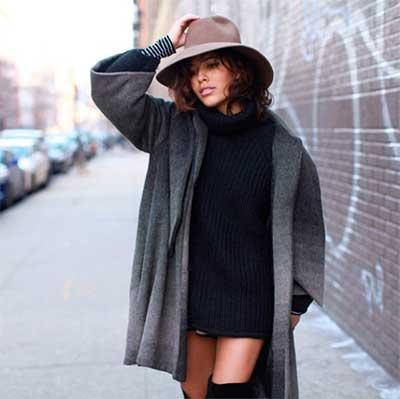 широкополая шляпа и платье-кофта