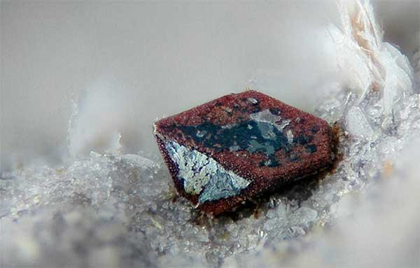 Кому подходит камень гематит, каково его значение, целебные и магические свойства