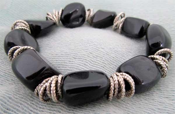 Магические свойства камня оникс, кому подходит минерал и как правильно им пользоваться