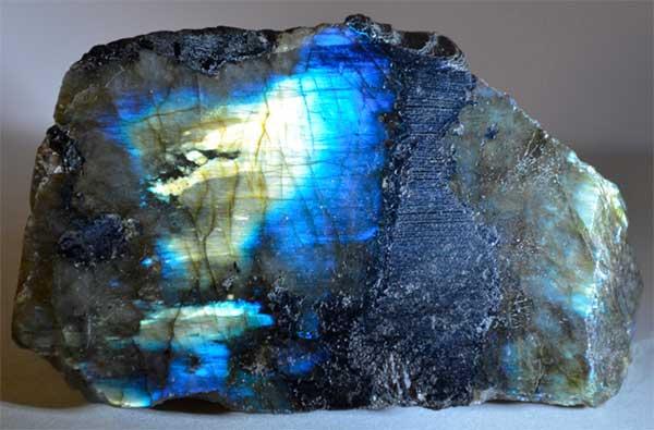 Кому подходит камень лабрадор, каковы его магические свойства и метафизическое значение