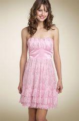 Правила ношения кружевного платья. Как избежать ошибок?