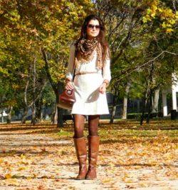 Шарф как аксессуар для платья-свитера