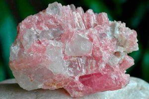 розовый рубеллит