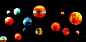 разноцветные планеты