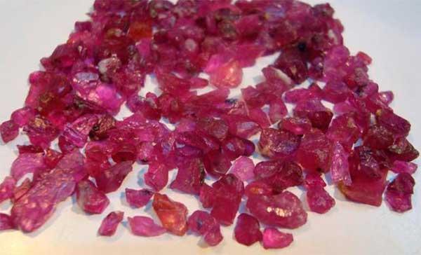 россыпь рубинов