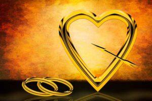 сердечко и обручальные кольца