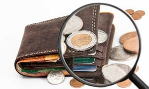 кошелек и монеты