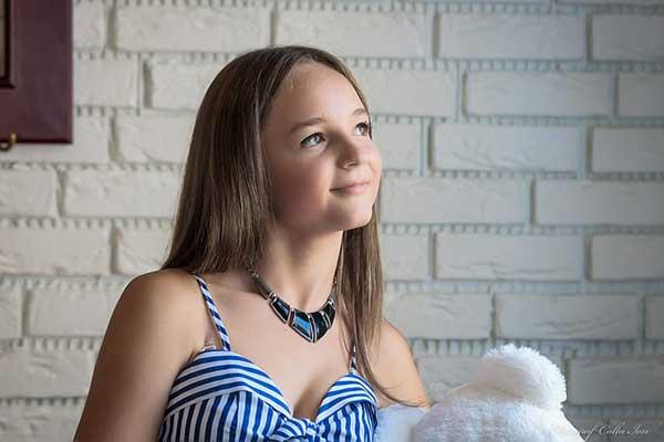 портрет юной девушки