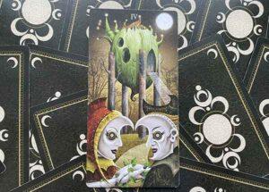 изображение 4 Жезлов в колоде таро Безумной Луны