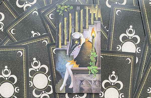 Девятка Жезлов колоды Таро Безумной Луны