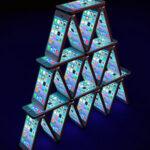 карточный домик из айфонов